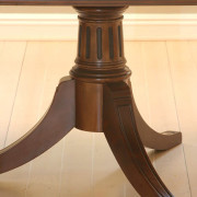 2377---Kristina-Table-Leg-Detail